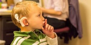 Convocatoria de prensa: ¿Qué harías si te dijeran que tu hijo es sordo?
