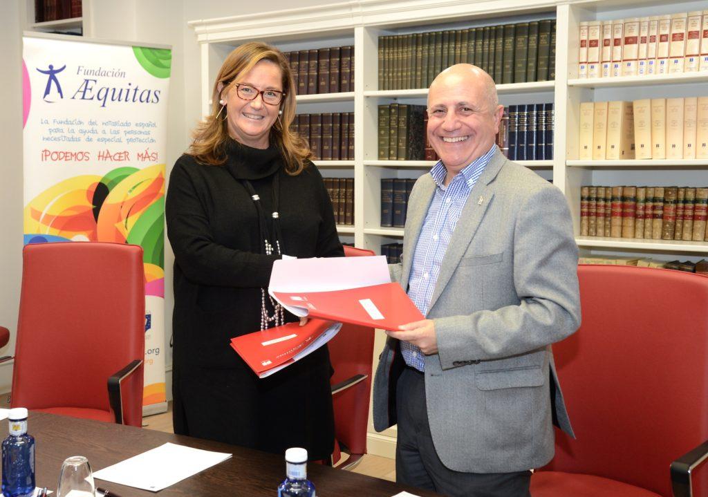 Jose Luis Aedo, presidente de FIAPAS y Almudena Castro-Girona, directora de la Fundación Æequitas