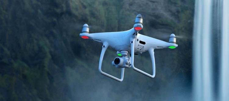 Fomento regula las condiciones psicofísicas para acceder al título de drones de personas con discapacidad