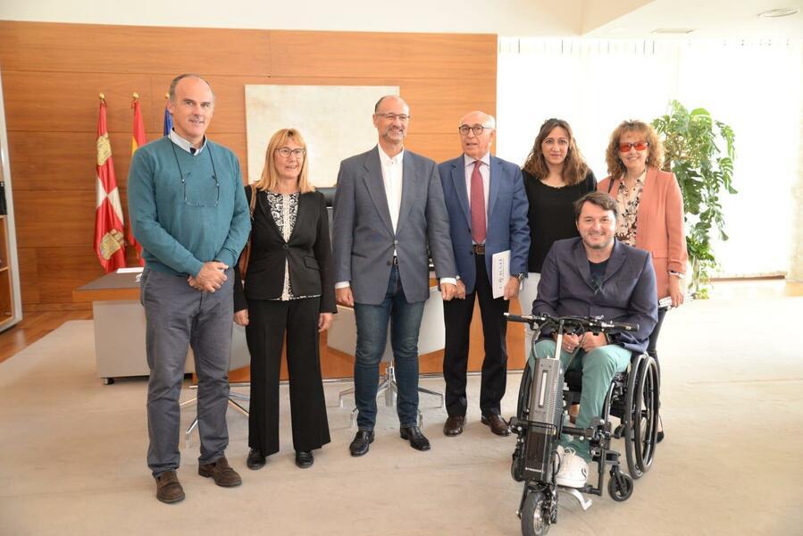 Reunion CERMI Castilla y Leon con las Cortes 2