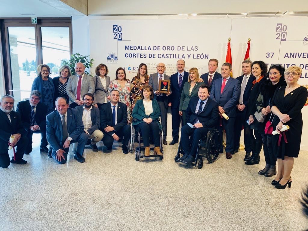 Foto de familia de los representantes de las Federaciones que componen FAPASCYL