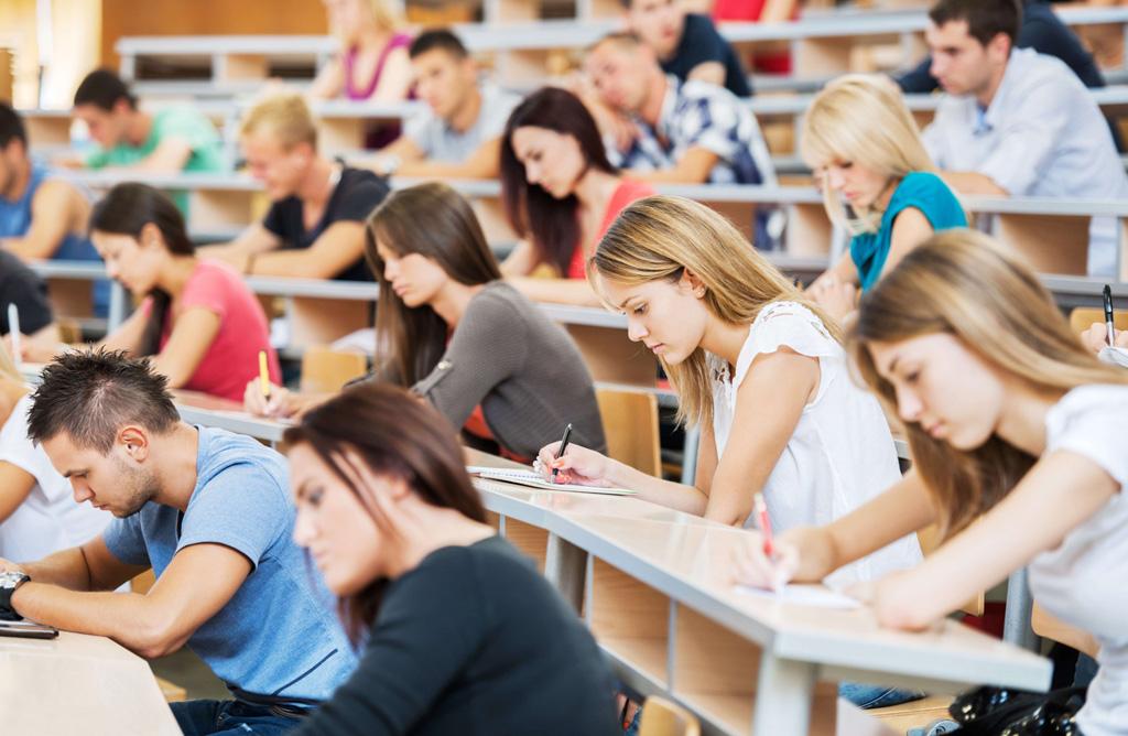 Alumnos en las pruebas de EBAU